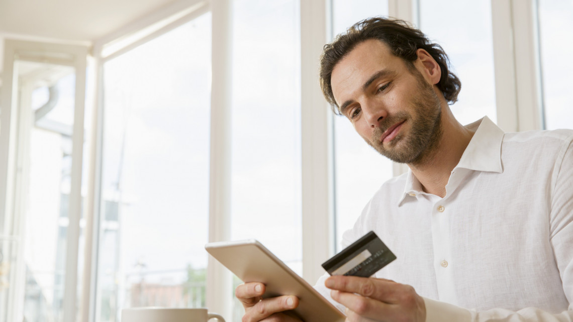 Így használjuk a bankkártyát: vajon ismerjük az elektronikus fizetés buktatóit?