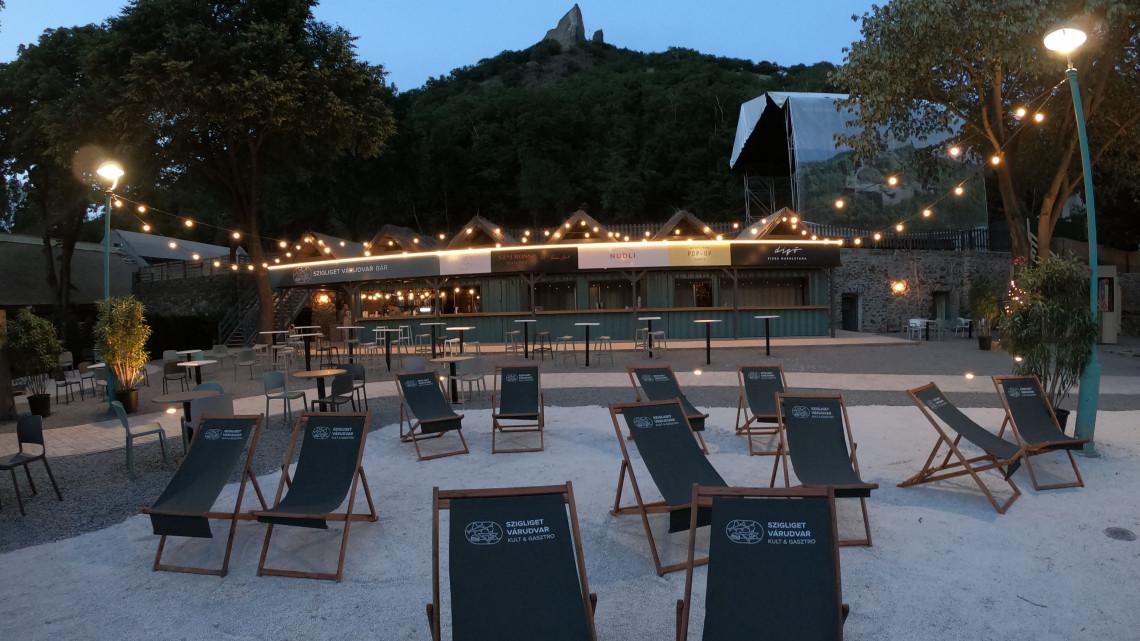 Rendkívüli élmény és csodás panoráma: nyáresti előadások várnak a Balatonnál