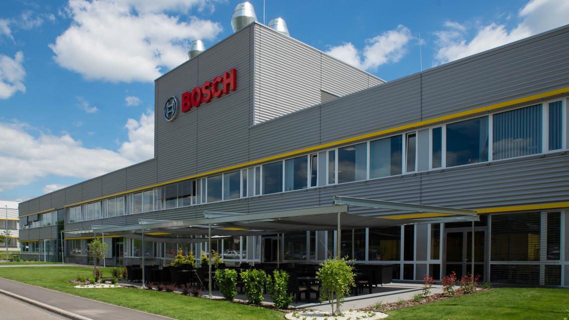 Gigaberuházás Miskolcon: új gyártócsarnokot adott át a Bosch