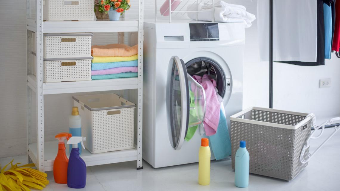 Hamis áruval üzérkedtek: károsak az egészségre a lefoglalt mosószerek