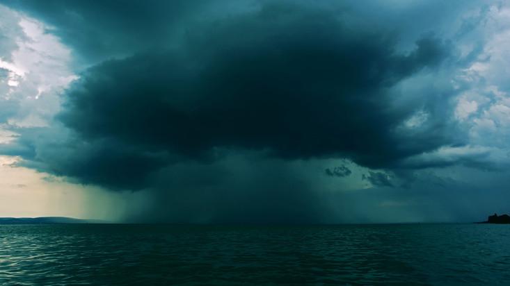 Komoly károkat okozott a vihar a Balaton környékén: innen érkezett a legtöbb bejelentés