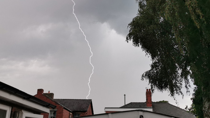 Tombolt a vihar Szabolcsban: több házat is villámcsapás ért a megyében
