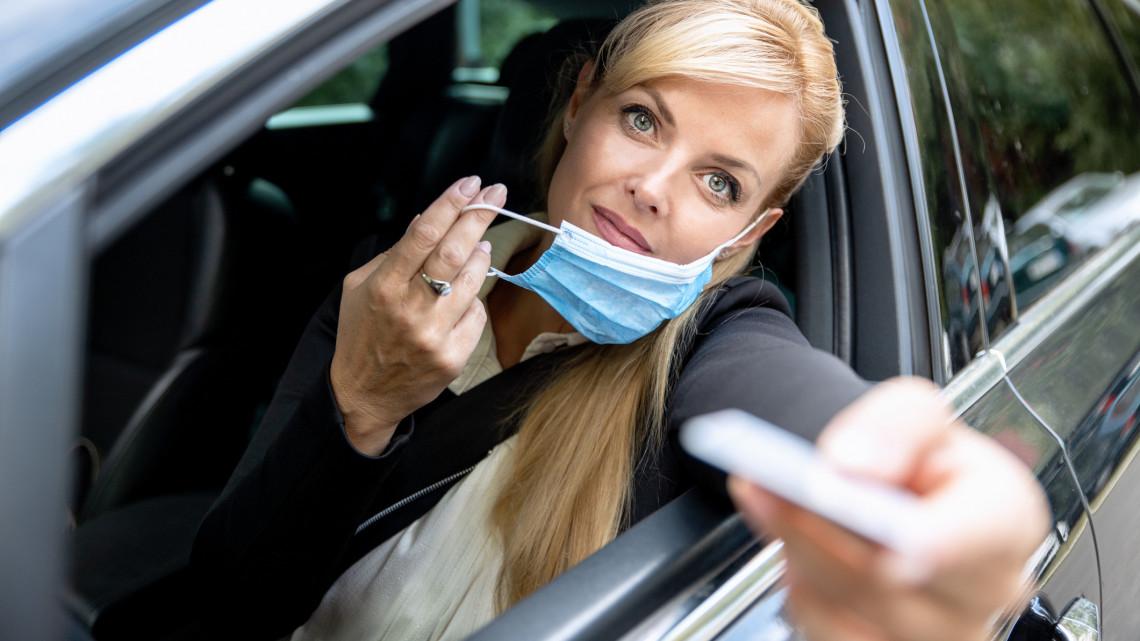 Jó tudni: a mostanában lejárt jogosítvány még egy ideig érvényes, pontosan eddig
