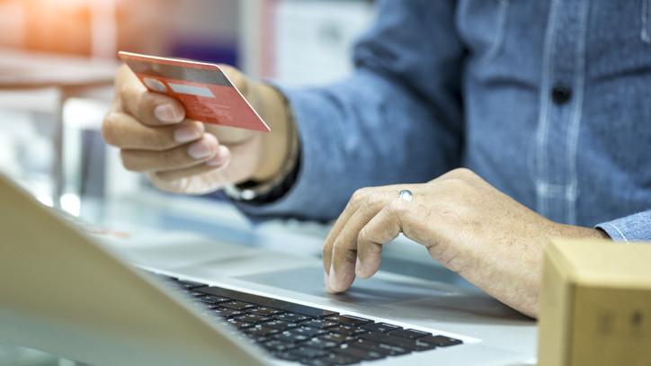 Újabb termékkel rukkolt elő a Takarékbank: már igényelhető a Széchenyi Kártya GO!