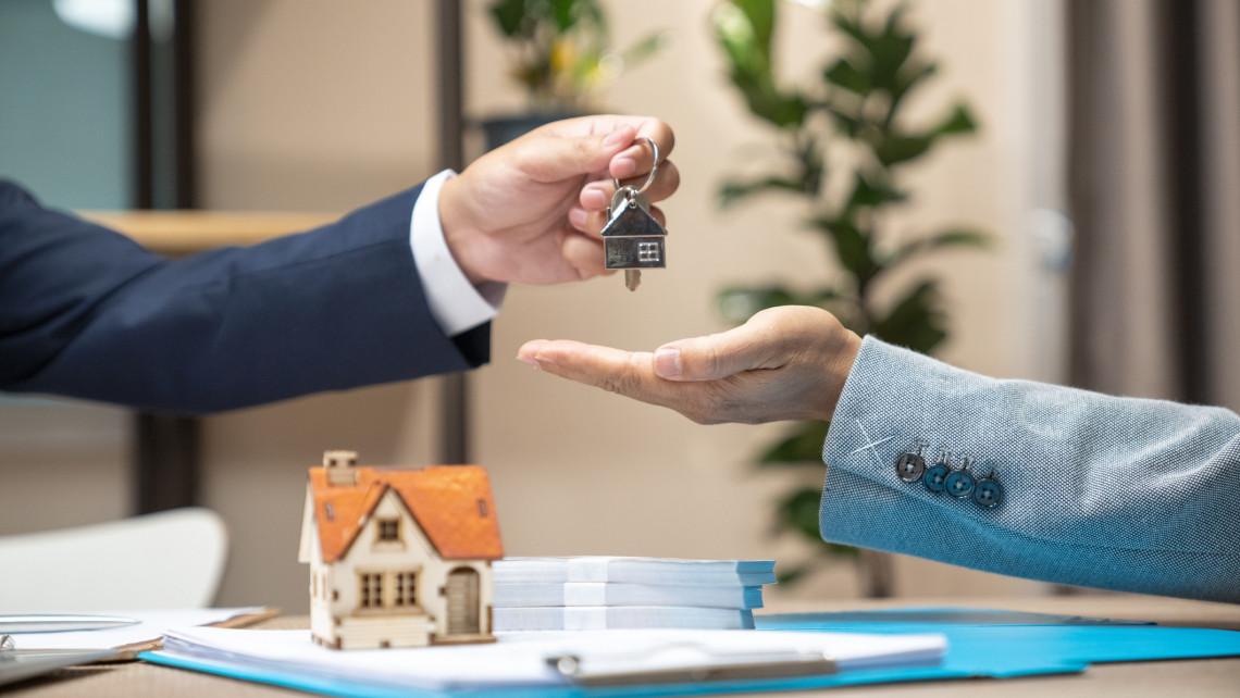 Na, ebből túlkínálat lett: vidéken már kezd nem is annyira jó biznisz lenni a lakáskiadás?