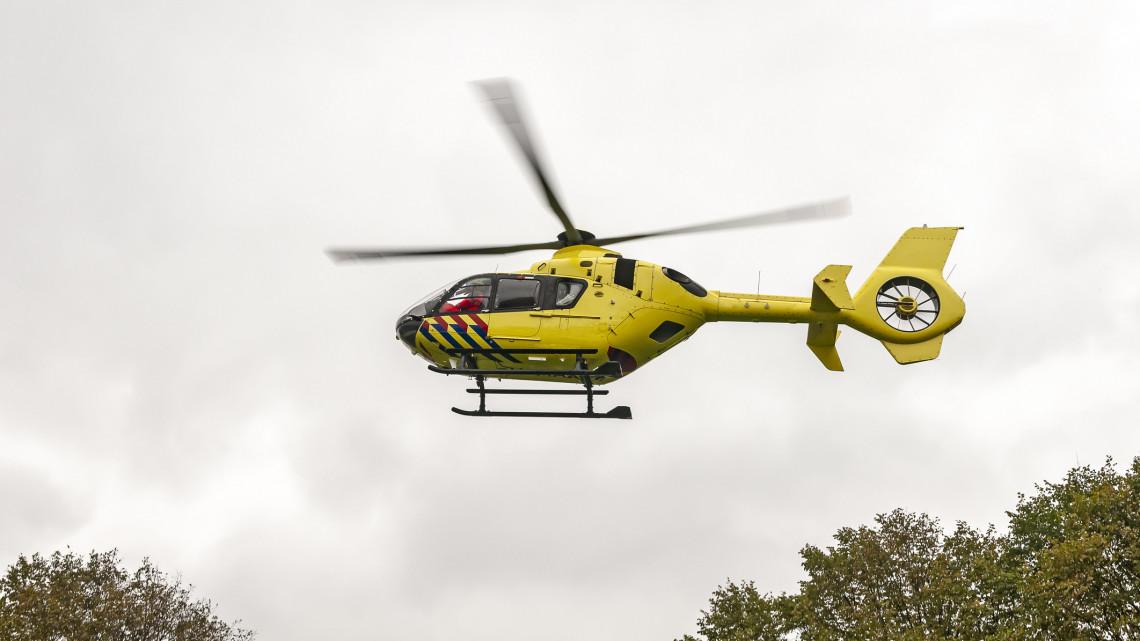 Mentőhelikoptert hívtak a balesethez: lezuhant egy férfi a szélmalomról