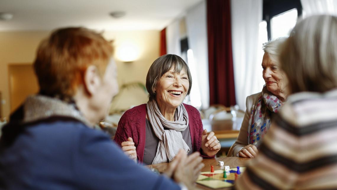 Extra állami támogatáshoz jutnak a nyugdíjasok: két kifizetés még hátravan