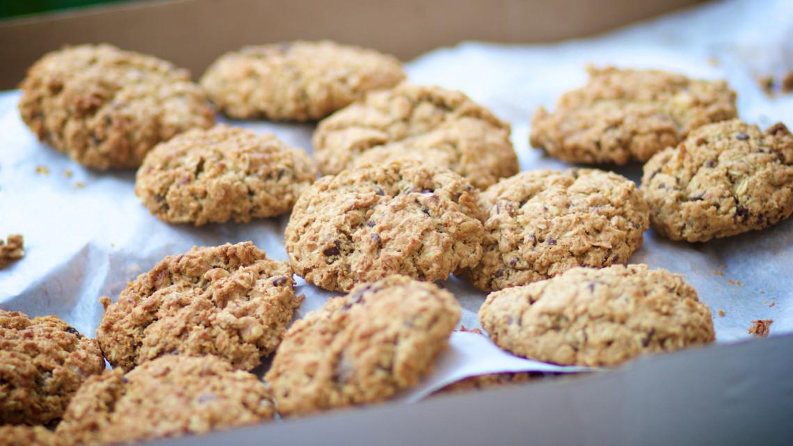 Egyszerű zabpehely recept, avagy gluténmentes zabpehely keksz: Mennyi a zabpehely kalória tartalma?