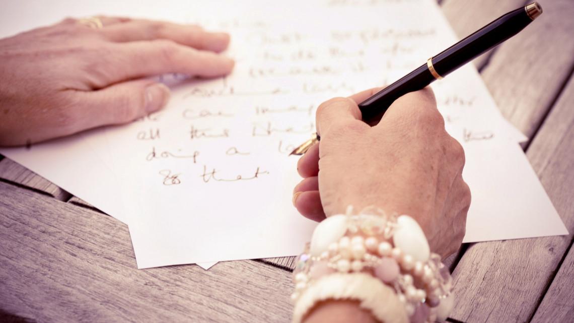 Meglepődtek a vidéki nyugdíjasház lakói: levelet kaptak az angol királynőtől