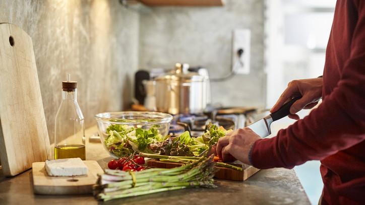 Fillérekből megterem otthon is: így kerülhet ősszel is friss saláta az asztalra