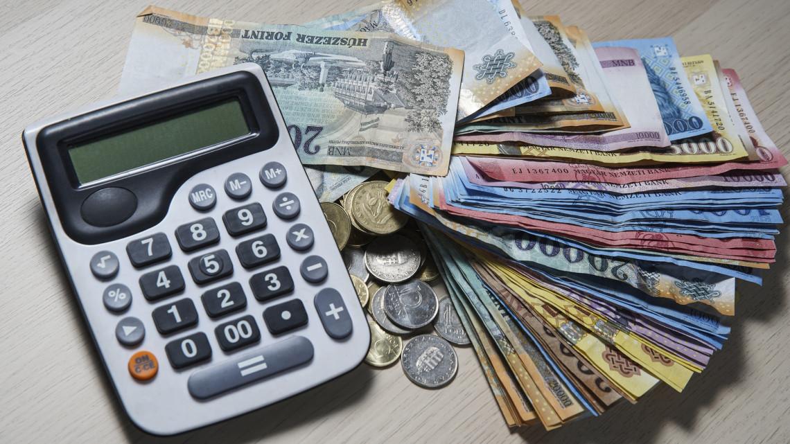 Itt a határozat: visszamenőleg módosítja a hitelmoratóriumot a kormány