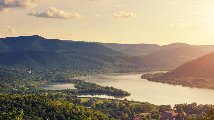 Dunakanyarban kirándulnál? Október végéig még lehet utazni ezzel a napijeggyel