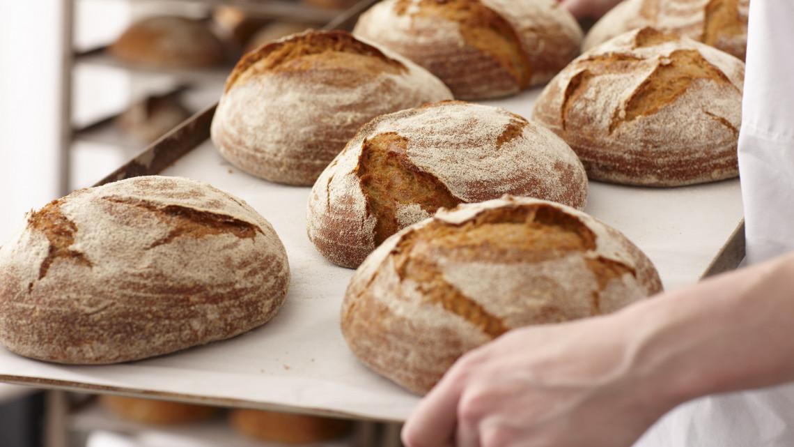 Tömegesen állhatnak le a hazai pékségek: elszálltak az árak, mi lesz így?